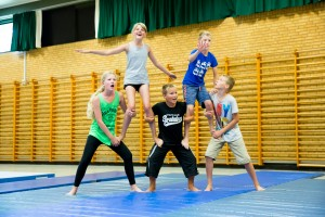 Circus Kids - FB size 162-®Patricio Soto